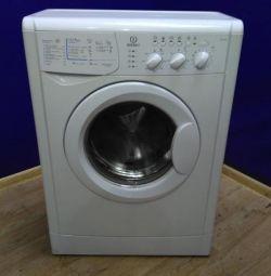 Çamaşır makinesi Indesit