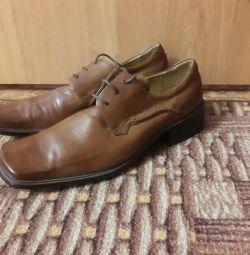 Продам кожаные туфли.