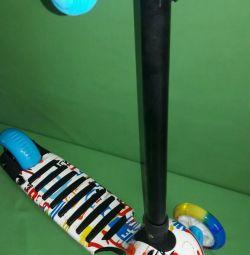 Scooter 3-wheel luminous wheels