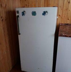 Ψυγείο και μεταχειρισμένα έπιπλα