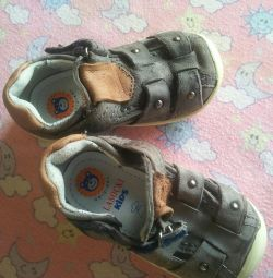 Кожаные сандалики