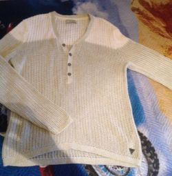 Lightweight Guess Sweater
