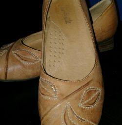 Pantofi mărimea 34