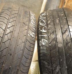 Δύο καλοκαιρινά ελαστικά Dunlop 235-60-18