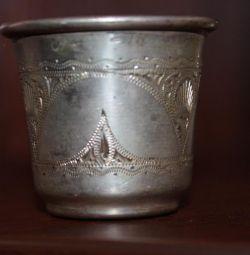 grămezi de argint