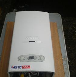 Газовий водонагрівач НЕВА 4510