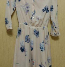 Платье с принтом ирисы