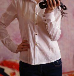 Нова Біла блузка з замочками