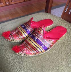 Papuci în stil oriental ?