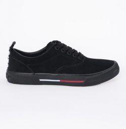 Νέα αθλητικά παπούτσια Tommy Jeans