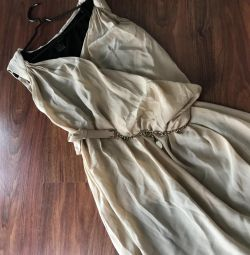 Φόρεμα σε ελληνικό στυλ
