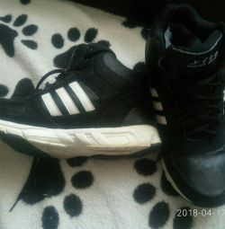 Ανδρικά παπούτσια το χειμώνα