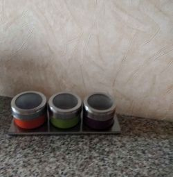 Sets for spices