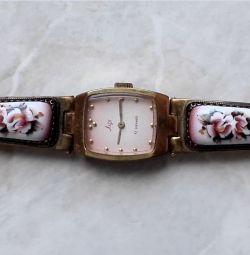 Часы Луч с Финифтью СССР Механические 17 камней