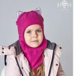 Demi hat