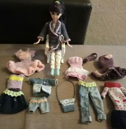 Complete sets of clothes for dolls?