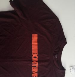 T-shirt with label new L