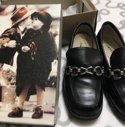 Pantofi din piele pentru copii 30