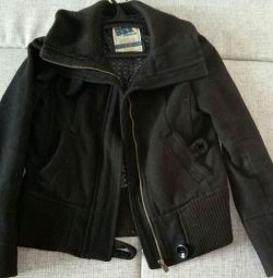 Jacket with a zipper p 42-44