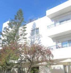 Agios Georgios Havouzas Limas'ta Ev Üstü Level