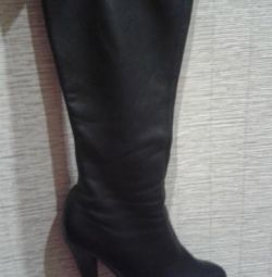 Boots demi-season, genuine leather