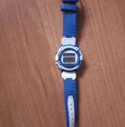 Electronic watch