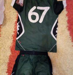 Bocanci, adidași, uniforme, gheare și jambiere pentru fotbal