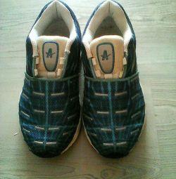 Стильні кросовки 32 розмір