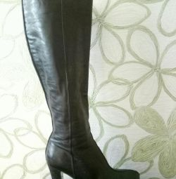 The boots are very beautiful