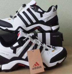 Кроссовки Adidas Terrex Gore-Tex R2 Новые