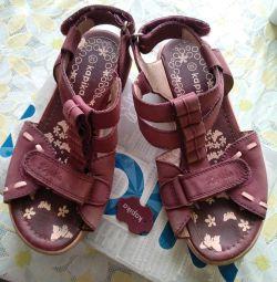 Sandale pentru fată F. Kapika 32 rr