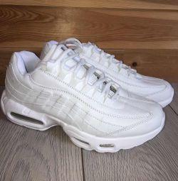 Νέα αθλητικά παπούτσια 40