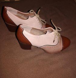 Pantofi noi r. 38.5