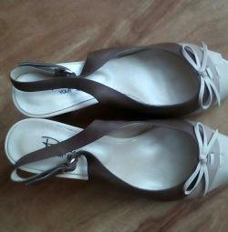 Τα νέα παπούτσια σέβονται.37 μέγεθος, δέρμα