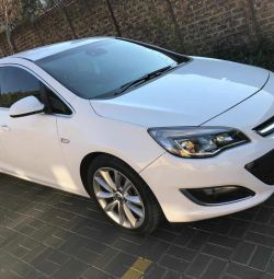 2014 Opel astra