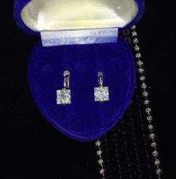 Kübik zirkon taşlı gümüş küpeler