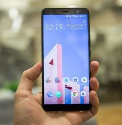 HTC U 11 Plus display