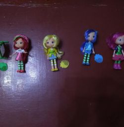 Dolls from the cartoon Charlotte Strawberry
