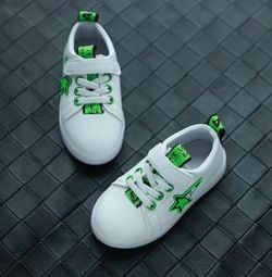 Sneakers for children with flashing soles Sport