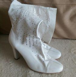 Διάτρητες μπότες, σήμανση 40