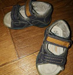 Vurmalı sandalet, 21p