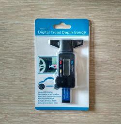Electronic depth gauge (tire)