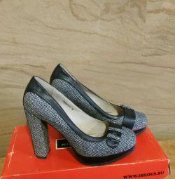 Dimensiune pantofi 38.5