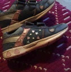 Τα πάνινα παπούτσια 27 για τα κορίτσια