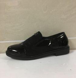 Pantofi pentru femei art 76