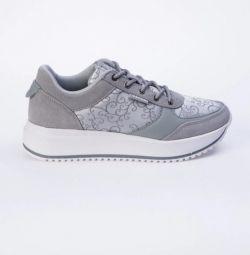Sneakers STROBBS