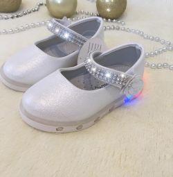 Yeni ayakkabılar 22,23,24