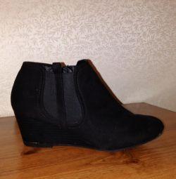 Pantofi.
