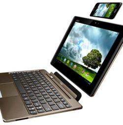 Asus PadFone (планшет + док станция + смартфон)
