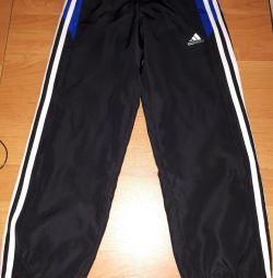Новые спортивные штаны. Adidas оригинал. На 7-8лет